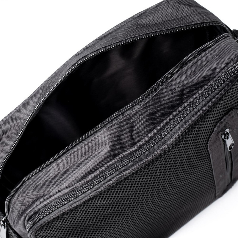 Сумка текстильная мужская JCB 20L Black (Черный)